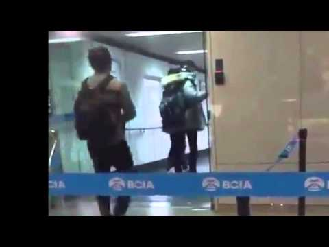 EXO's Chanyeol Takes a Picture of an Ad with Wu Yifan - 160101 at the Airport