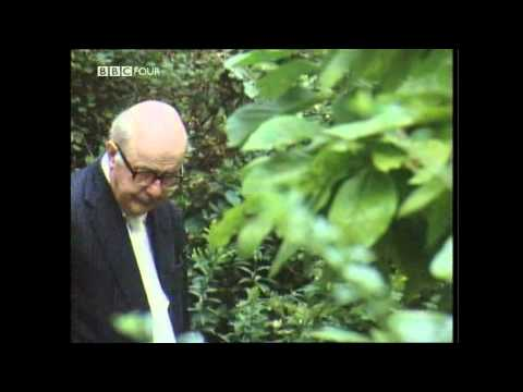 Summoned  Bells  Sir John Betjeman 1976 16