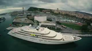 Second biggest superyacht in the world entering OneOcean Port Vell