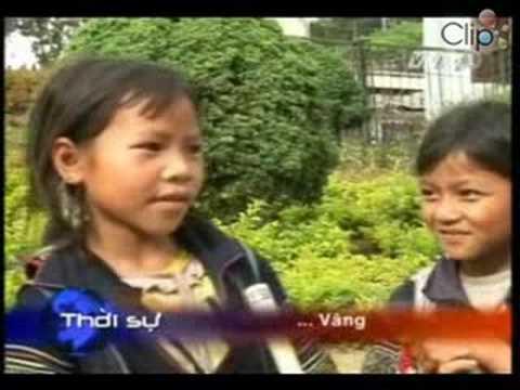 Những mặt trái của việc trẻ em đi làm sớm ở khu du lịch SaPa