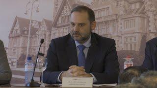 "Ábalos señala que PSOE ""prioriza políticas"" al negociar con UP"