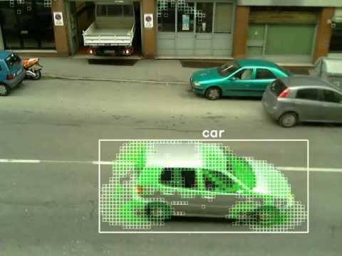 Vehicle classification through multiple neural networks