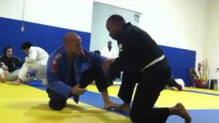 03.21.11 - White Belt vs. Blue Belt - Roll 1