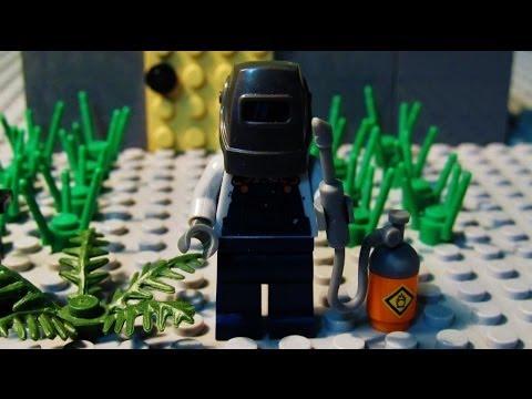 """""""The Welder"""" - LEGO Horror Story"""