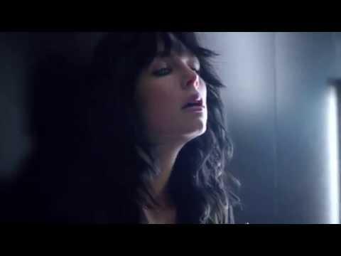 Yves Saint Laurent Black Opium (Werbung lang)