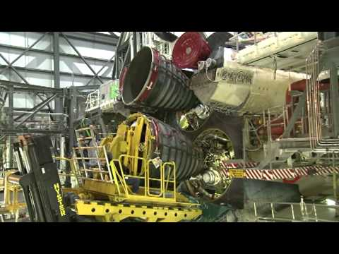 Shuttle's Main Engines Installed for Final Planned Flight
