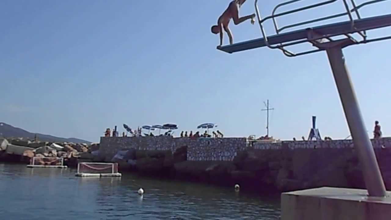 Verticale dal trampolino dei bagni Fiume di Livorno! - YouTube