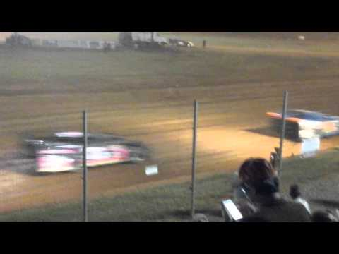 Modoc speedway crate late model feature green white checkerd finish