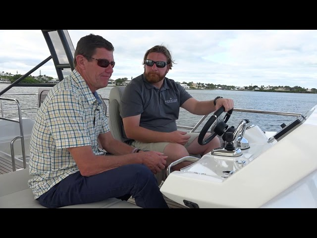Cruising on the NEW PRESTIGE 420 Fly