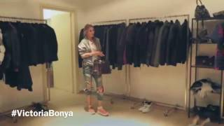Виктория Боня подбирает вечерний образ в бутике Philipp Plein