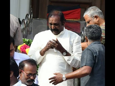 Poet and Lyricist Vairamuthu Pays His Respects  08-08-2018