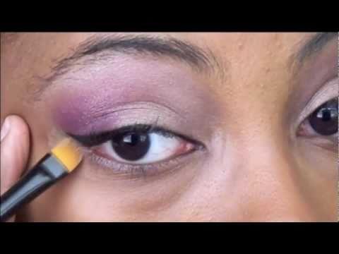 Eyeliner 101 - College Fashion Tutorial