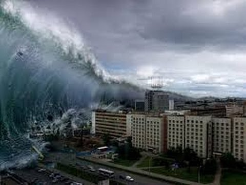 picture of wave in asian tsunami