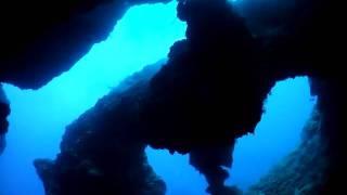 宮古島を代表する人気ダイビングポイント。 複雑ながら自然が作った創造...