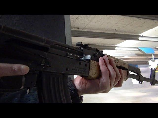 実弾射撃 AK47 突撃銃 フルオート (AK-47 Assault Rifle Full Auto)