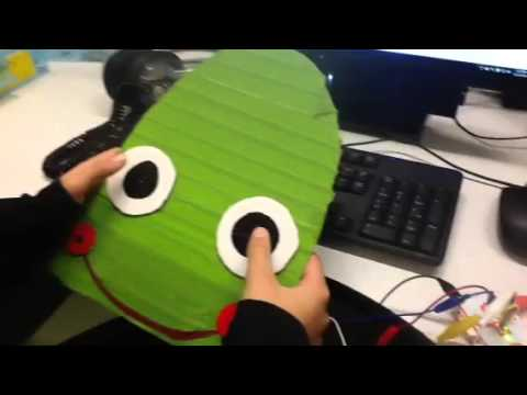 Game controller design with Makey Makey
