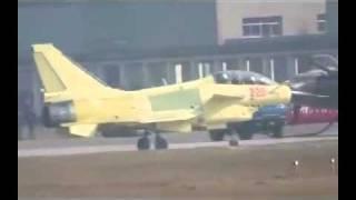 中國j20 比美國f22 先進十年 j20首次公開起飛