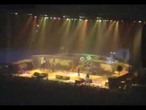 09 Fear Of The Dark Iron Maiden live at greece 11-3-07  BEST CROWD REACTION EVER !!!