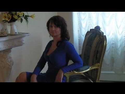 Hübsche russische Frau Nadezhda aus Sankt Petersburg von YouTube · Dauer:  1 Minuten 51 Sekunden