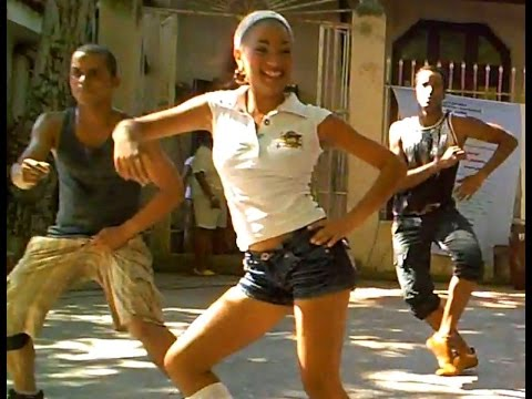 Super Fun Casino-Style Dance Routine in Havana