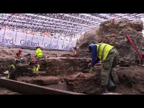 Secrets of early Shakespeare theatre dug up in London