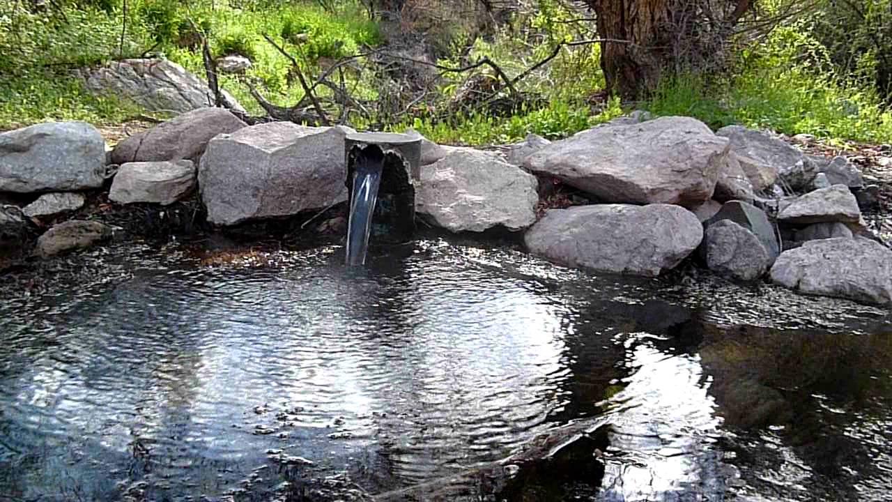 Artesian Well in Walnut Canyon - YouTube