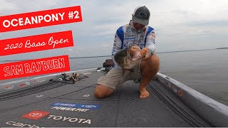 Gleason catches OCEANPONY #2 at the BASS OPEN on Sam Rayburn.