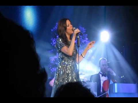Martina McBride - If You Don't Know Me By Now - 1st Ever LIVE Performance!!!