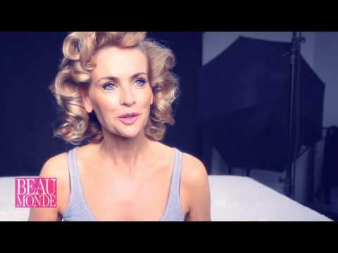 Daphne Deckers als pin-up girl in Beau Monde!