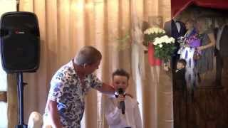 Денис. Песня на свадьбе у Ольги.