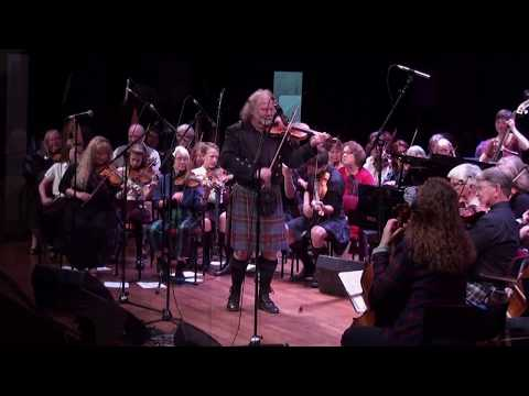 Alasdair Fraser Directs the San Francisco Scottish Fiddlers FINALE!