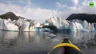 Волна от отколовшегося куска ледника накрыла каякеров на Аляске — видео