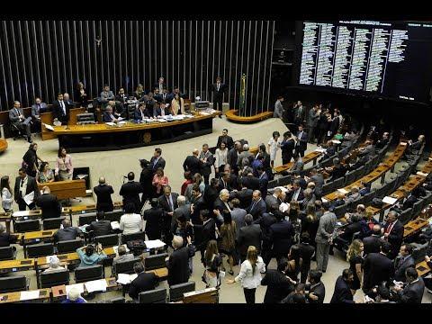Flexibilização do horário da Voz do Brasil gera embates no Plenário