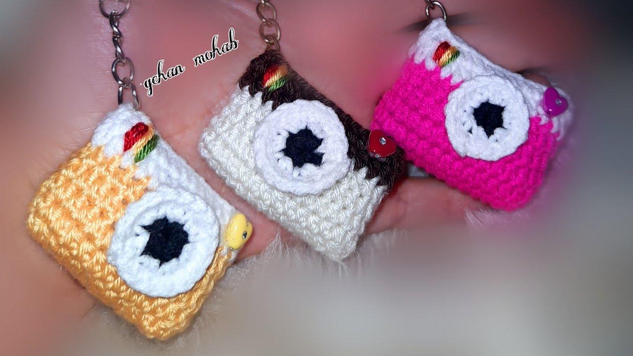 طريقة عمل ميدالية على شكل كاميرا كروشيه Mini Camera Youtube Crochet Earrings Crochet Youtube Videos