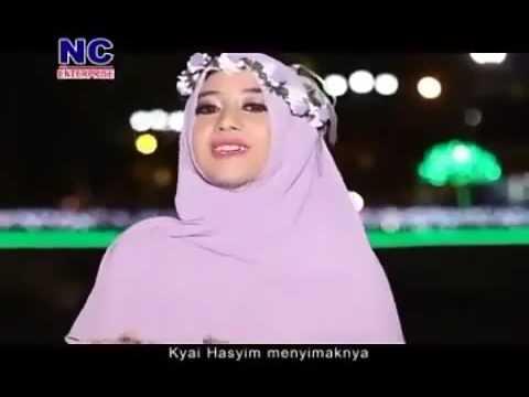 Gadis Cantik Melantunkan Syair NU KH.Hasyim Asya'ri