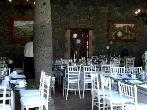 Eventos paredes renta de sillas tiffany mesas de cristal for Sillas para eventos