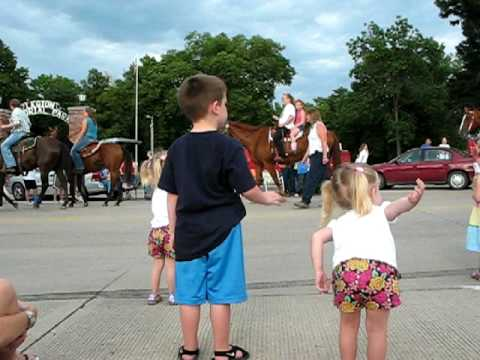 Ben, Chloe & Laney At The Nemaha County Fair Parade