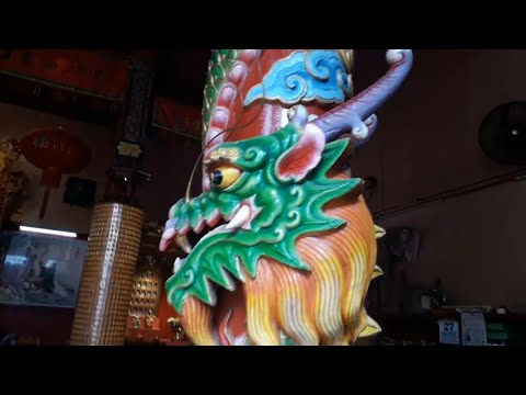 Look At The Dragon!! Buddhist Temples Taoism & More - Malaysia Vlog