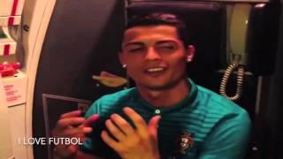 Christiano Ronaldo singing