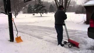 Amazing snowplow clears driveway fast. No shovels