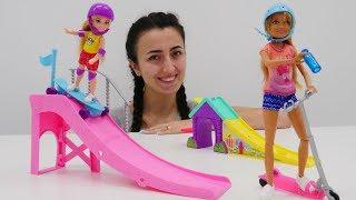 Barbie oyunları. Chelsea ve Sevcan kaykaycı Stecie ile tanışıyorlar