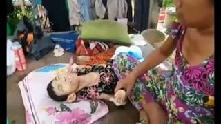Hôm nay đến thăm bé Linh lần nữa ! Thấy cảnh mẹ bé chăm sóc cho bé mà đau lòng quá.