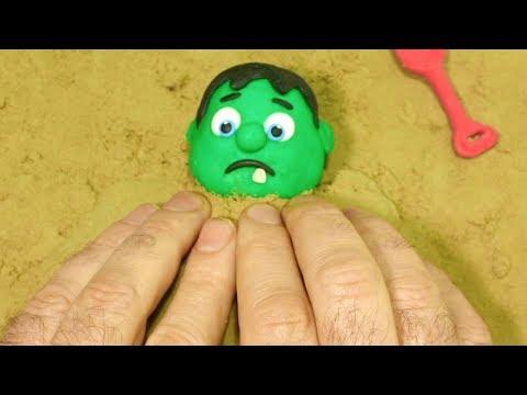 BabyHulk playing sand 💕Superhero Play Doh Stop motion videos for kids
