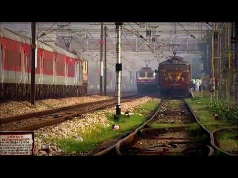 """RARE CROSSING & OVERTAKE"" Mumbai Rajdhani Vs Bhopal Shatabdi Express at Top Speed !!"