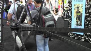 World's lightest bicycle wheel Mad Fiber Wheel Cutting Edge 2013 Interbike - BikemanforU