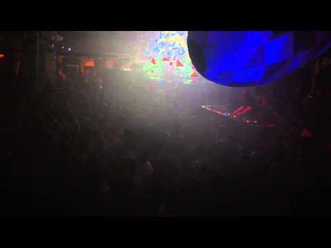 John Digweed @ Pacha, Ibiza playing Jonas Saalbach & Bog - Indi Rubels / Bedrock