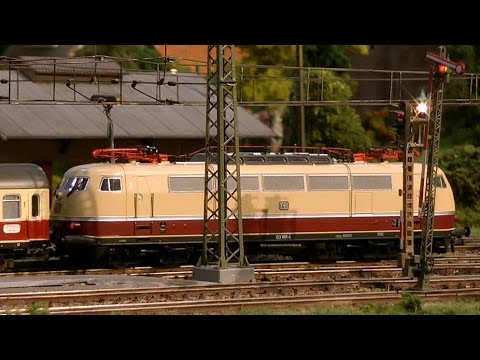 Marklin Digital Model Railroad Layout with Model Trains using RailWare Control Software