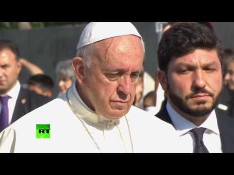 Папа Римский просит благословения у Католикоса всех армян.Молитвы армян в  конгрессе США.