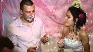 dj-joro-eli - Ритуал, разрязване на сватбена торта :).mpg