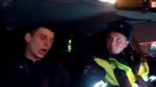 Москва  ДПСники остановили сотрудника росгвардии